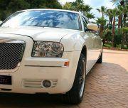 Imagen de limusina Blanca Chrysler de 8 plazas